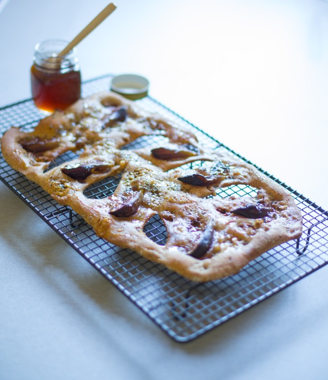 blue cheese walnut and fig fougasse-7